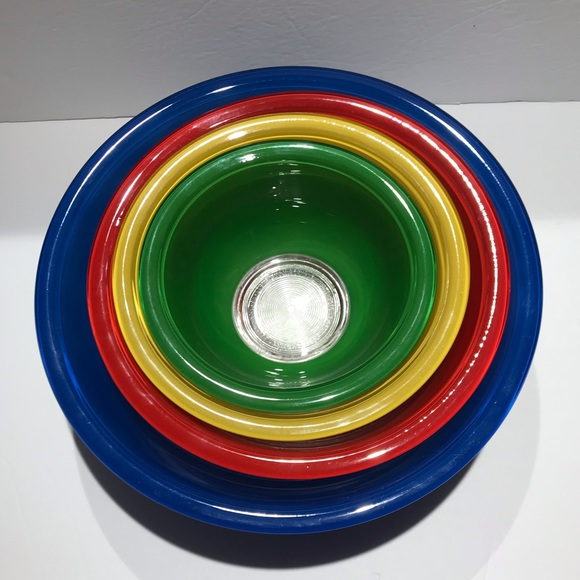 4 Vintage Pyrex Primary Colour Mixing Bowls